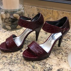 WHBM burgandy/wine colored heels. Sz8
